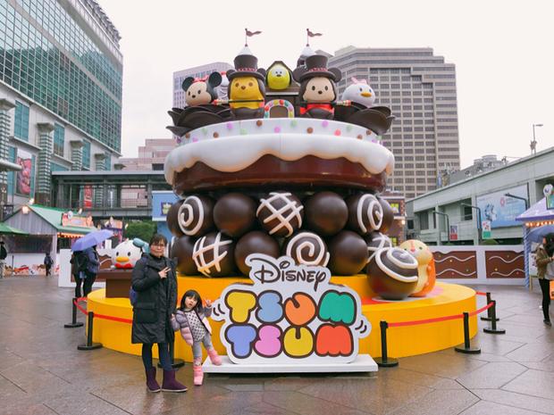 中間是超巨型巧克力屋兩面都有造型都可以拍喔